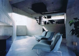 三角敷地の家 06