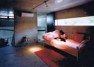三角敷地の家 09
